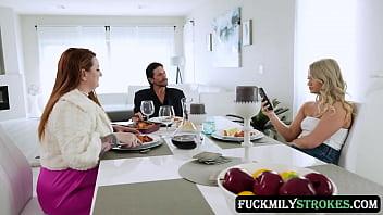 Невесту после свадьбы пердолят на порно групповухе