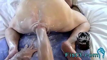 Прогрела не бритую вагину мастурбацией
