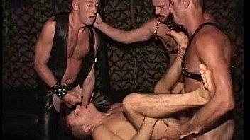 Зрелищная мастурбация заросшей дырочки