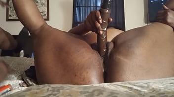 Возлюбленные практикуют анальный секс по окончании оральной прелюдии