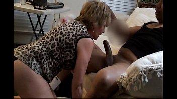 Лисбийские баловства от сексуальных красоток